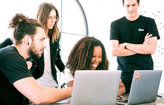 Na czym polega startup?